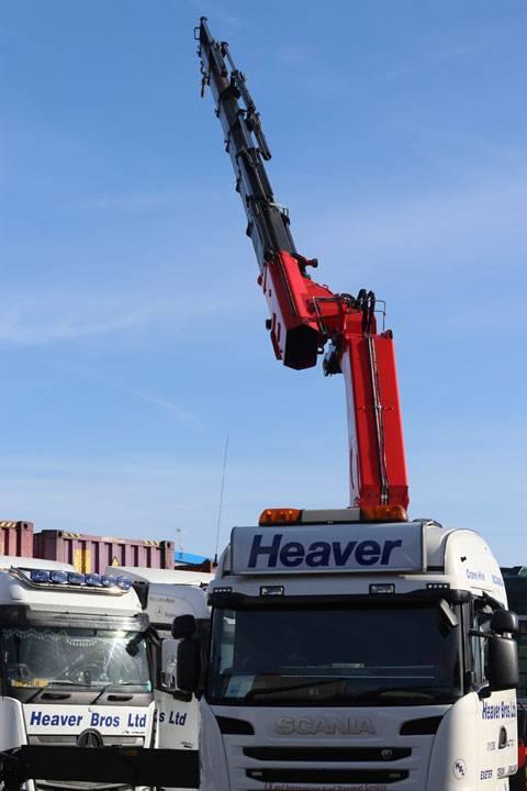 lorry mounted crane on lorry